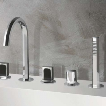 Fantini Venezia Смеситель для ванны на борт цвет хром + ручки мурано черные  N465S
