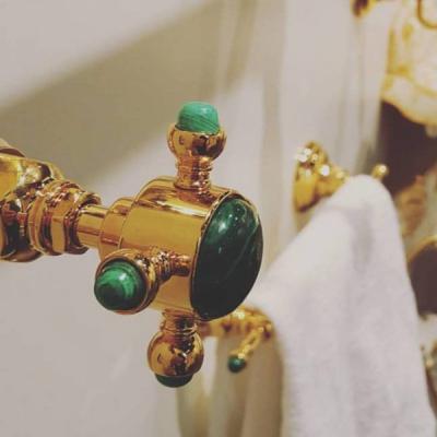 Nicolazzi Le Pietre смеситель для ванны с душем настенный 2101GO09